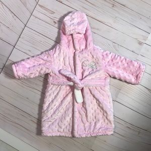 BLANKETS & BEYOND Hooded Baby Bathrobe